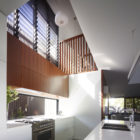 Sunshine Beach House by Shaun Lockyer Architects (10)