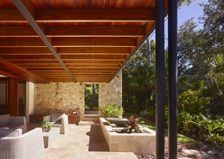 The Creek House by Shaun Lockyer Architects (7)