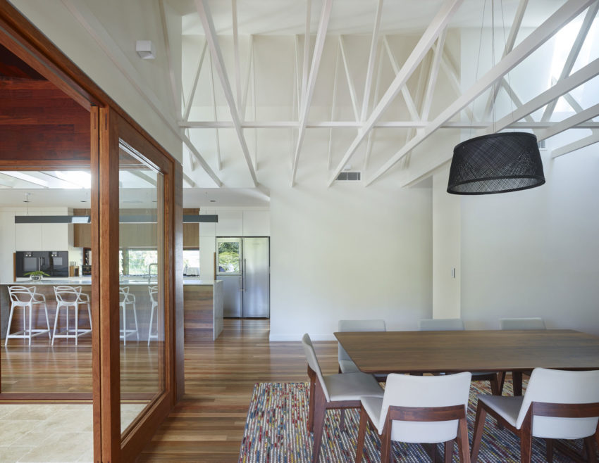 The Creek House by Shaun Lockyer Architects (14)
