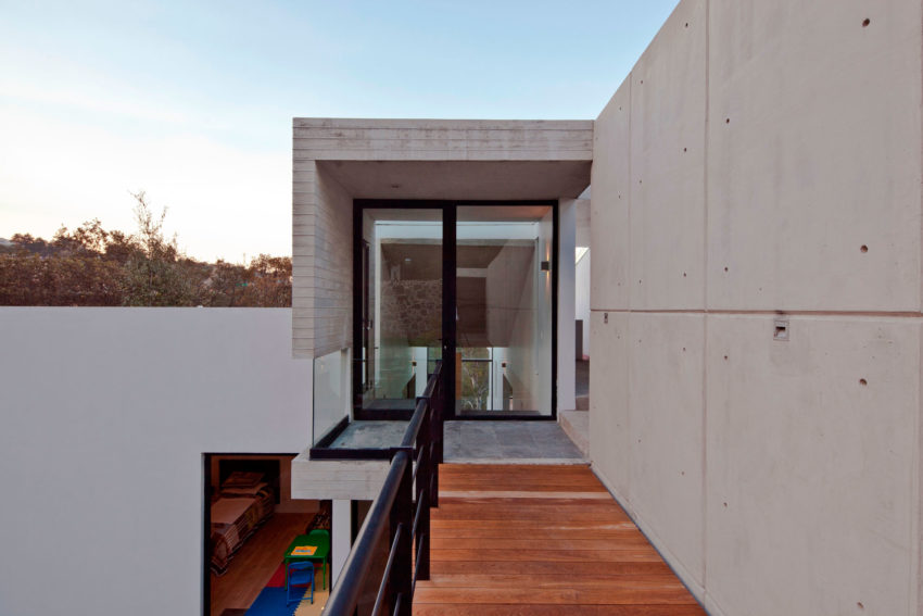U House by Materia Arquitectonica (11)
