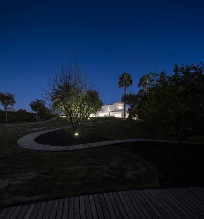 Marlene uldschmidt architects complete a home renovation - Hostal casa arco iris ...