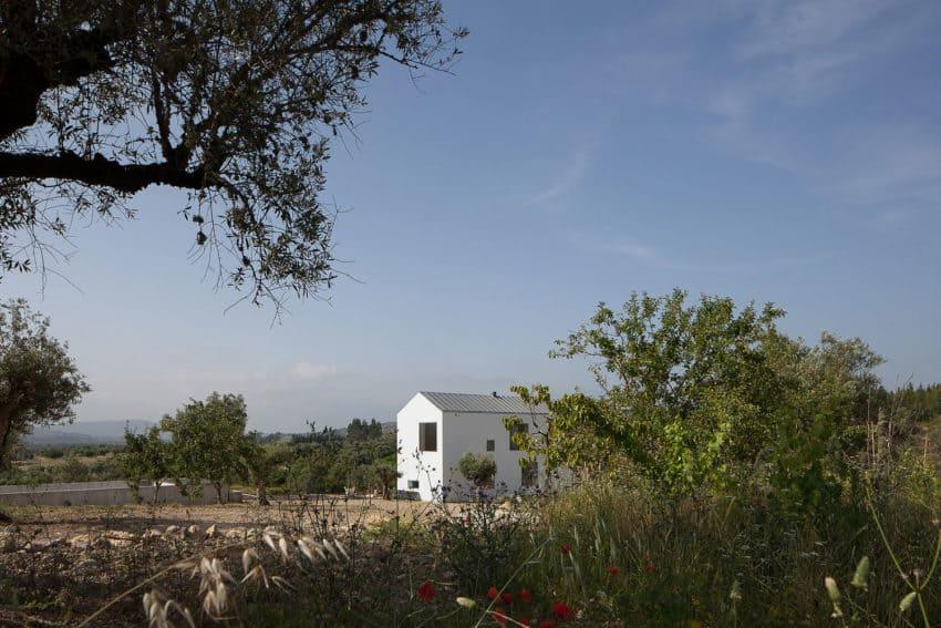 Fonte Boa House by João Mendes Ribeiro (2)