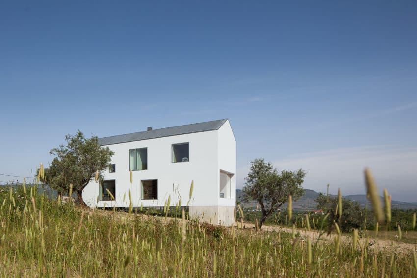 Fonte Boa House by João Mendes Ribeiro (11)