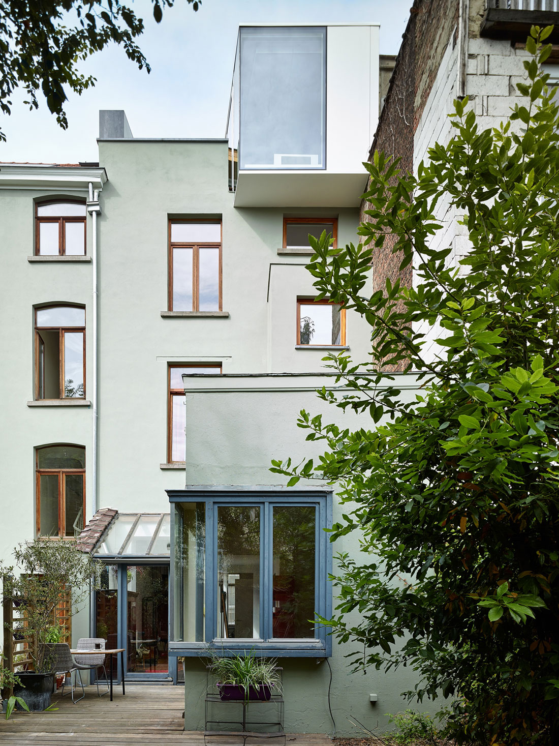 Home in Schaerbeek by Martens/Brunet Architects (2)