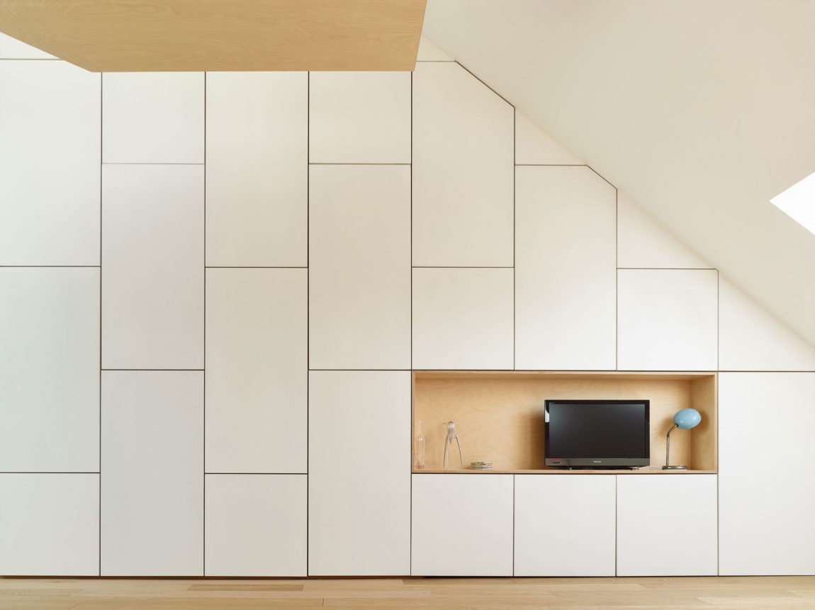 Home in Schaerbeek by Martens/Brunet Architects (5)