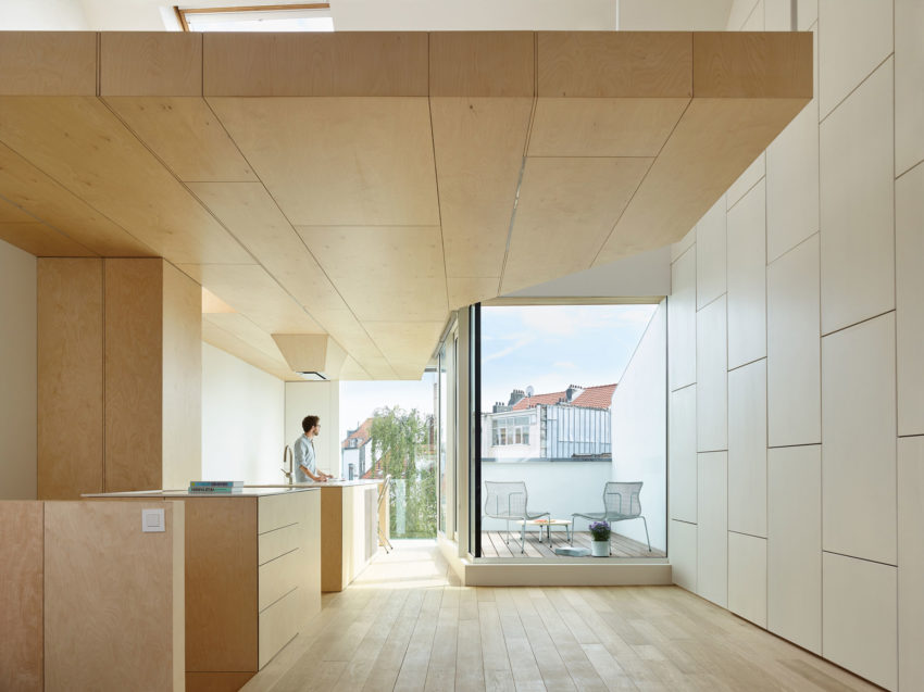 Home in Schaerbeek by Martens/Brunet Architects (6)