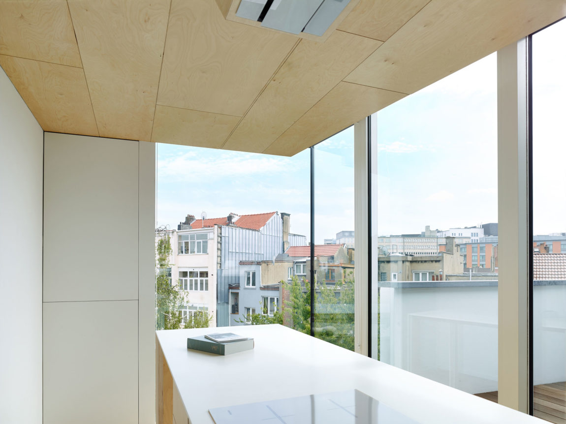 Home in Schaerbeek by Martens/Brunet Architects (11)