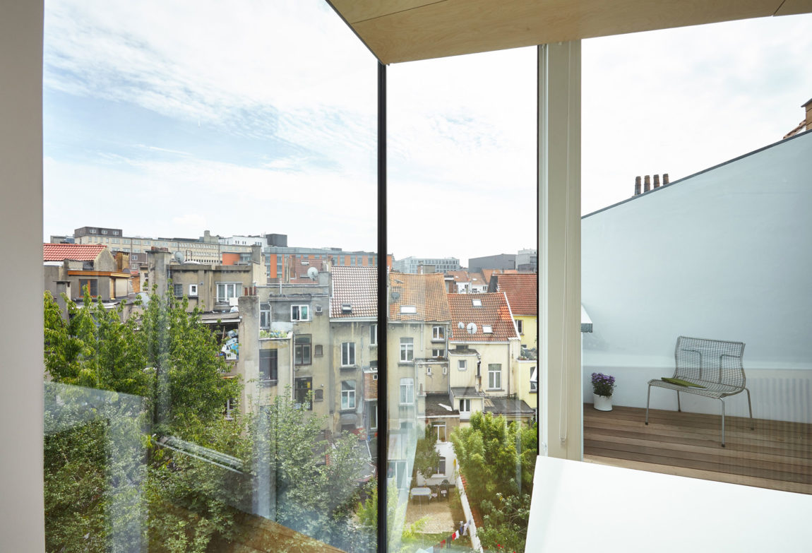 Home in Schaerbeek by Martens/Brunet Architects (12)