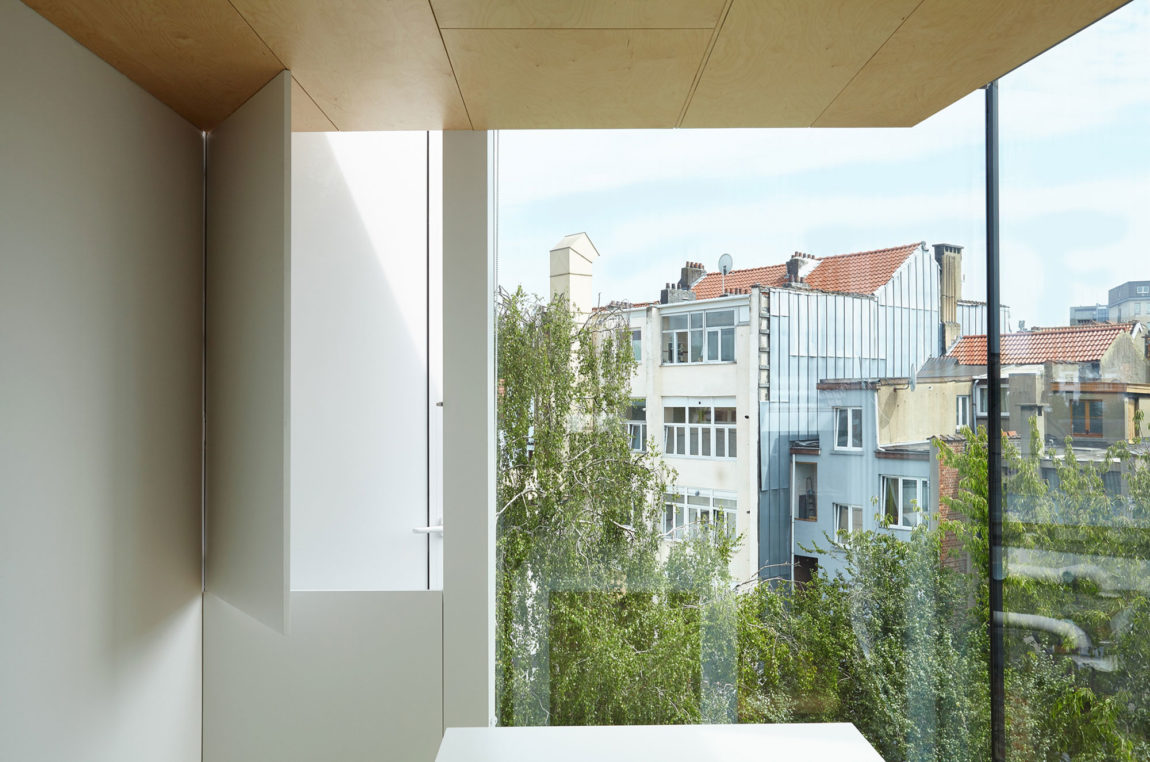 Home in Schaerbeek by Martens/Brunet Architects (13)