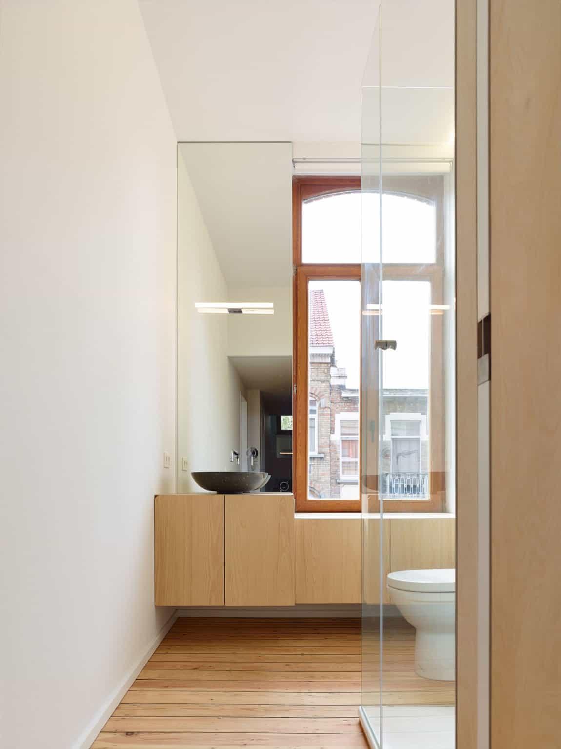Home in Schaerbeek by Martens/Brunet Architects (21)