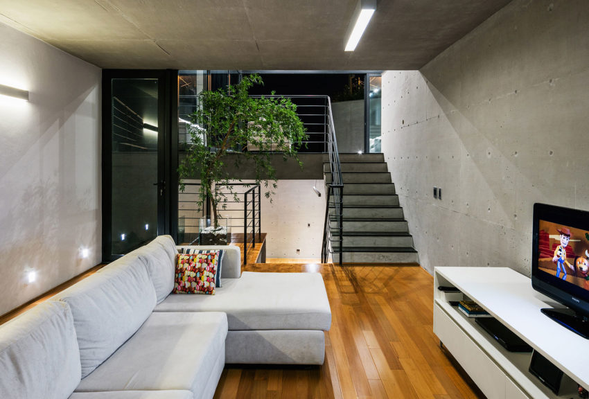 House JJ by Obra Arquitetos (12)