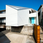 House in Nagoya by Atelier Tekuto (2)