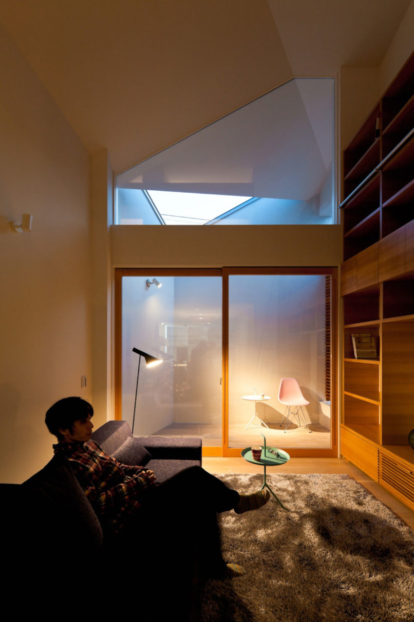 House in Nagoya by Atelier Tekuto (8)