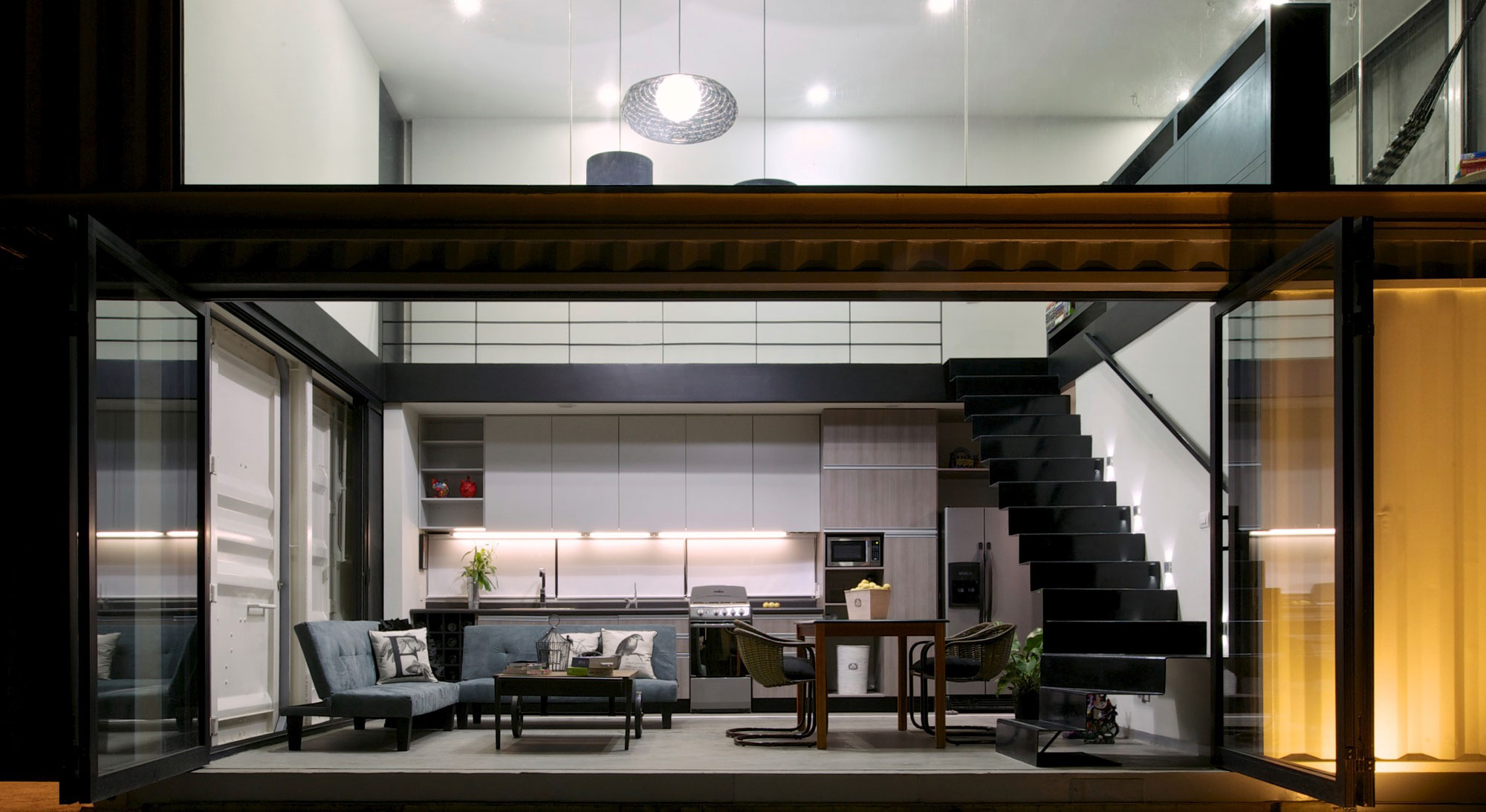 Contemporary Shipping Container House in La Primavera