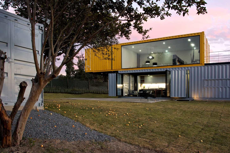 Contemporary Shipping Container House in La Primavera