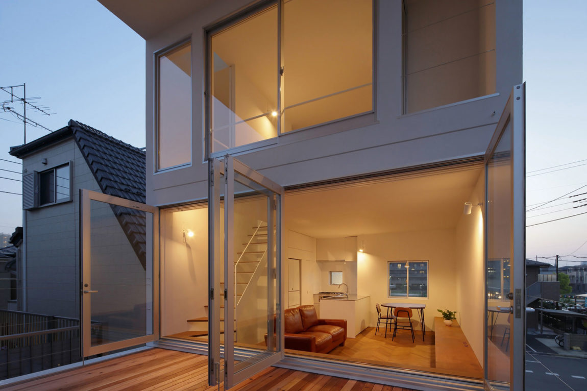 Little House with a Big Terrace by Takuro Yamamoto (17)