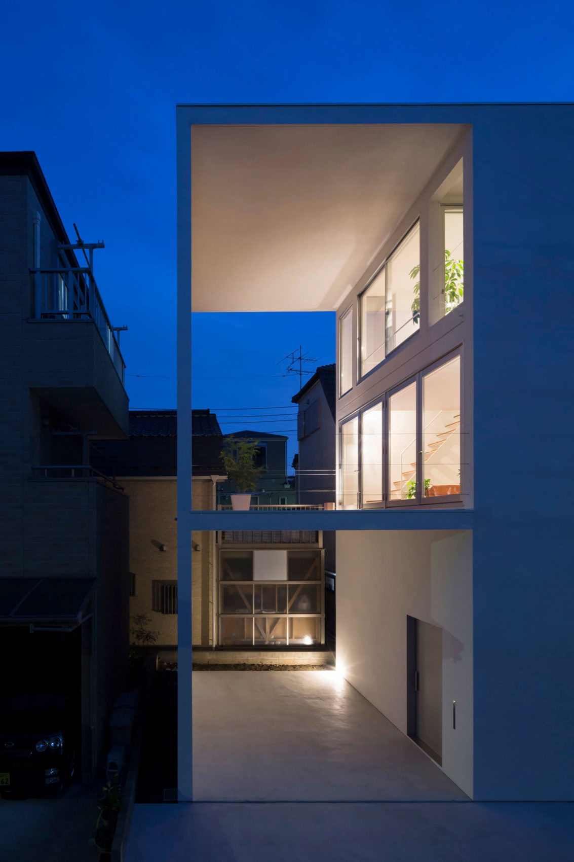 Little House with a Big Terrace by Takuro Yamamoto (18)
