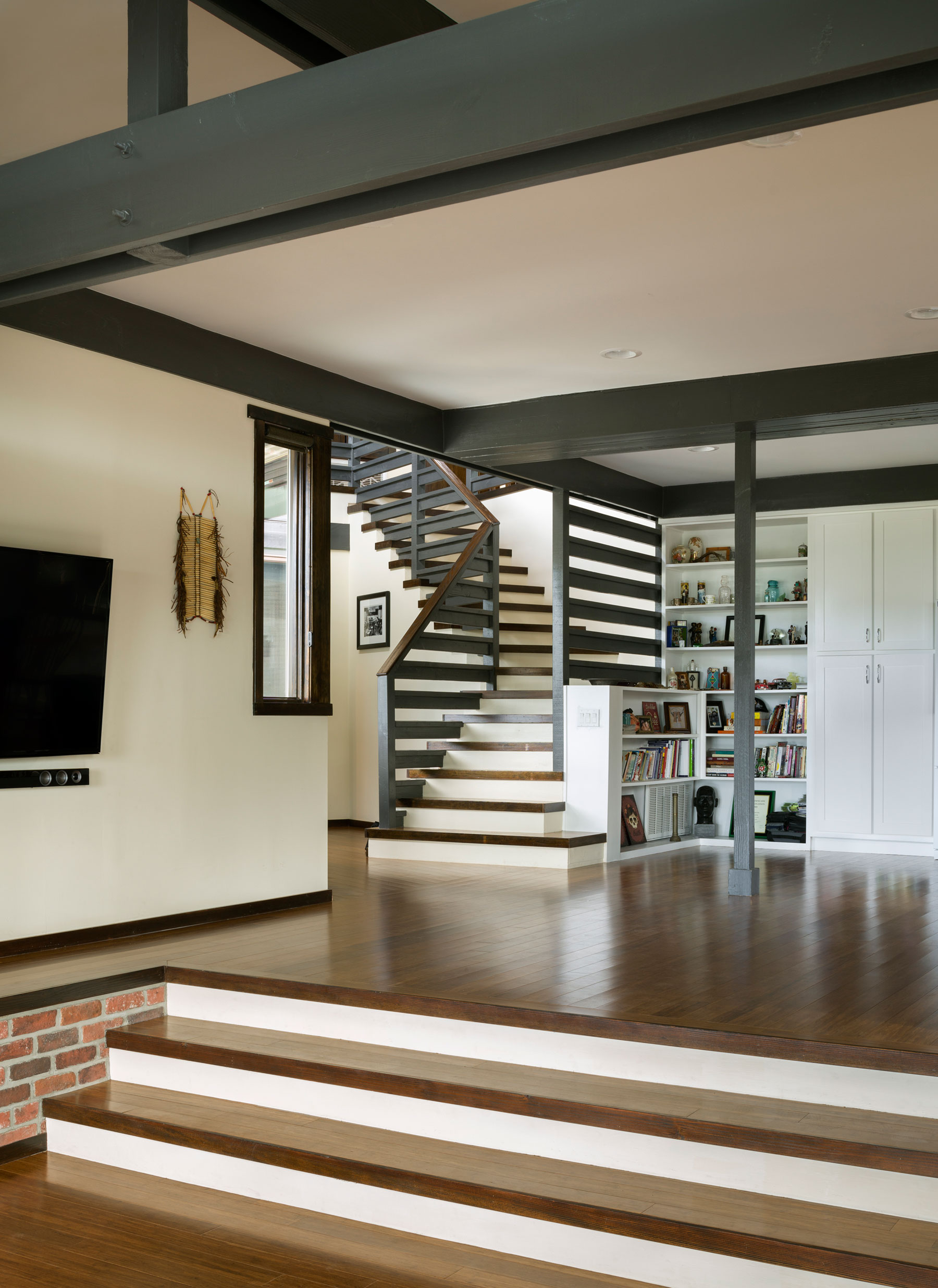 Martin Fenlon Architecture Designs a Cozy Private Residence in Los Angeles, California