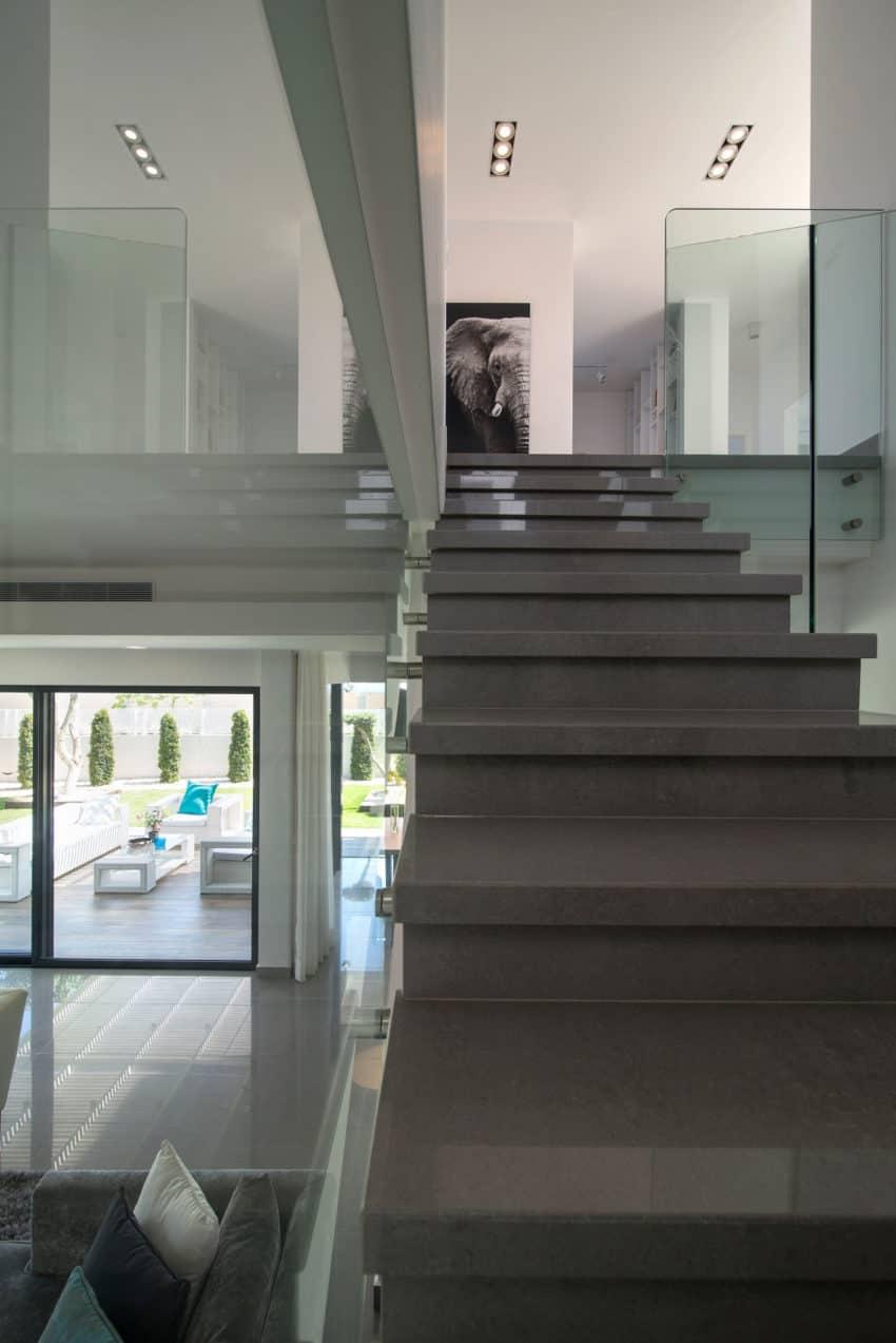 Luxury Home in Bat Hadar by BLV Design/Architecture (10)
