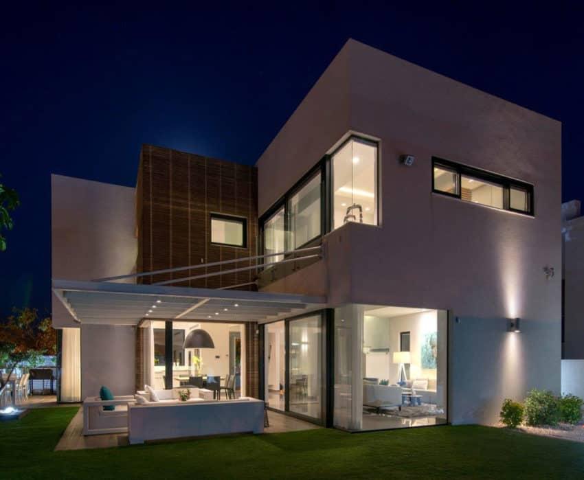 Luxury Home in Bat Hadar by BLV Design/Architecture (16)