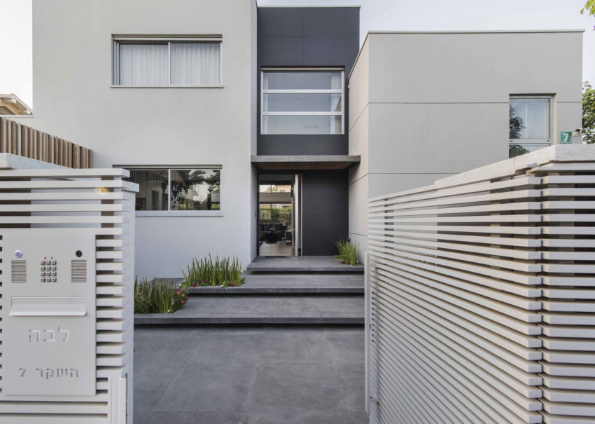 Modern Minimalistic and Clear by Martin Kesel Architects (1)