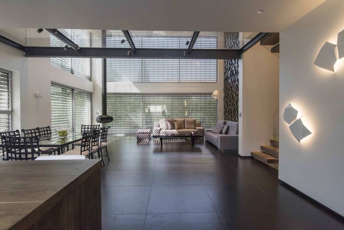 Modern Minimalistic and Clear by Martin Kesel Architects (7)