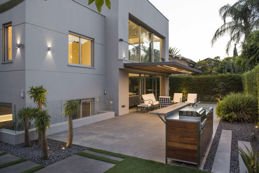 Modern Minimalistic and Clear by Martin Kesel Architects (34)