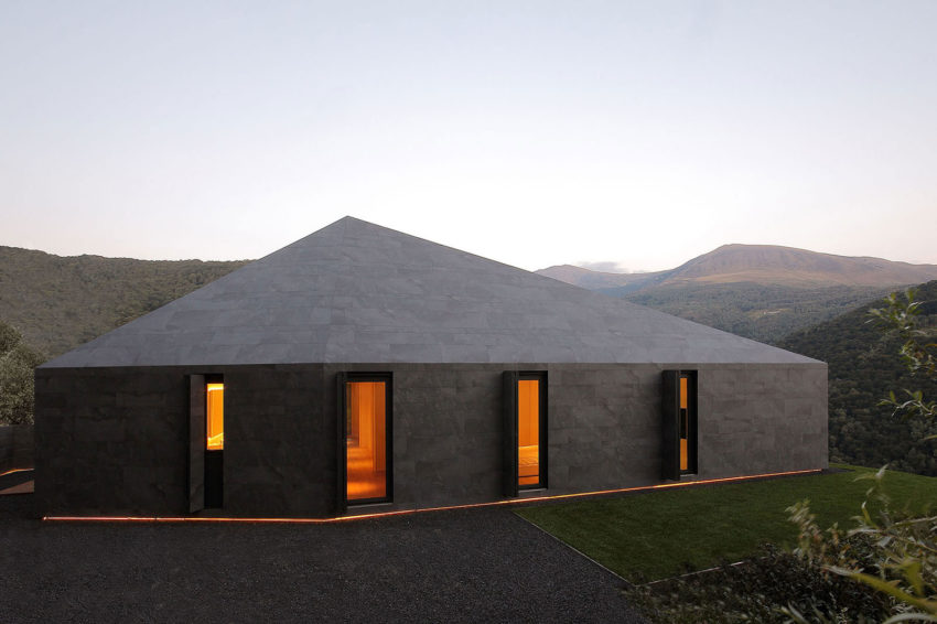 Montebar Villa by JMA (13)