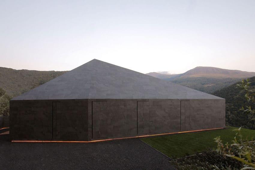 Montebar Villa by JMA (14)