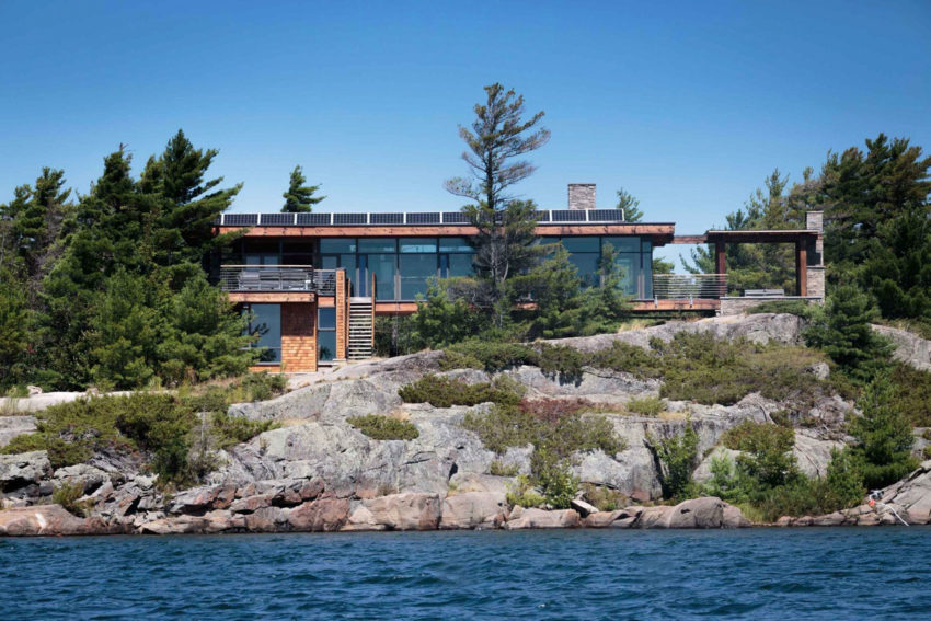 Monument Channel Cottage by CORE Architects (1)