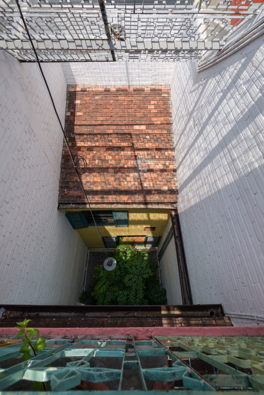SaiGon House by a21studĩo (15)