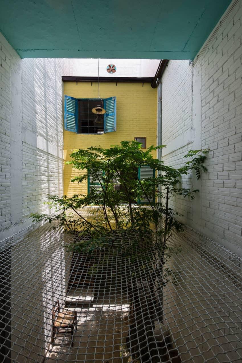 SaiGon House by a21studĩo (17)
