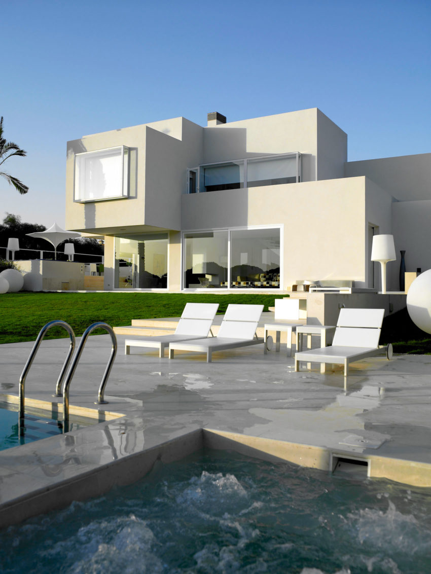 Sancti Petri Private House by Teresa Sapey Estudio (2)