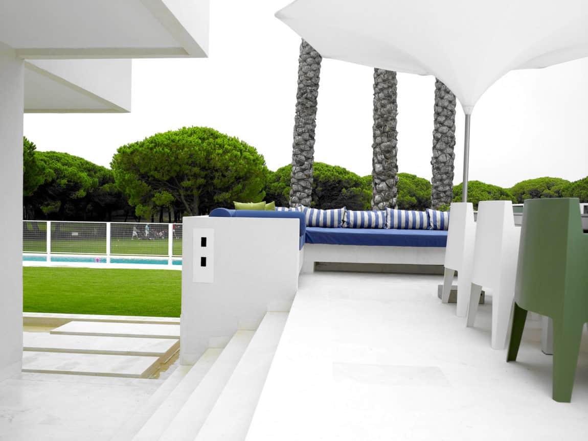 Sancti Petri Private House by Teresa Sapey Estudio (4)