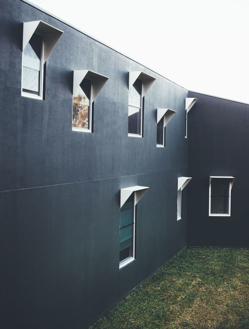 Stealth House by Teeland Architects (7)