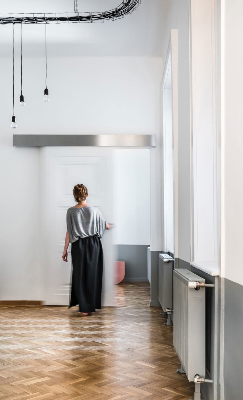 Strict Elegance by Batlab Architects (11)