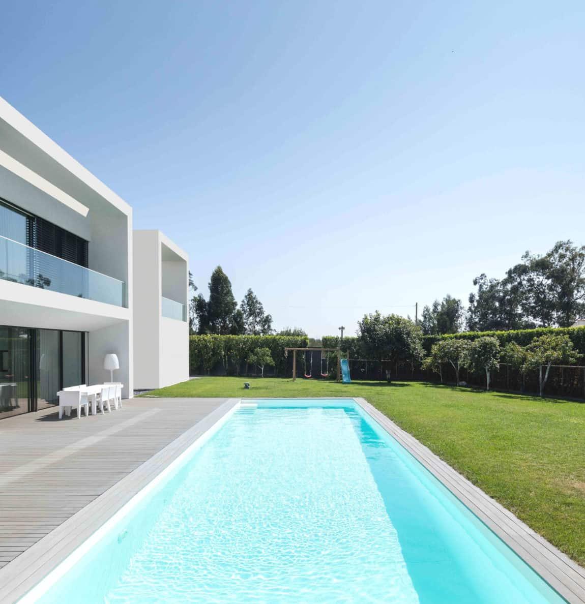 Touguinho II House by Raulino Silva Arquitecto (4)