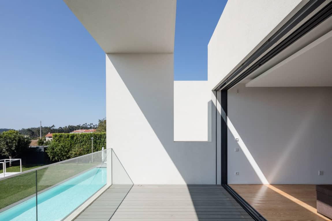 Touguinho II House by Raulino Silva Arquitecto (5)