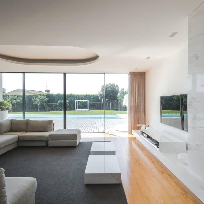 Touguinho II House by Raulino Silva Arquitecto (9)