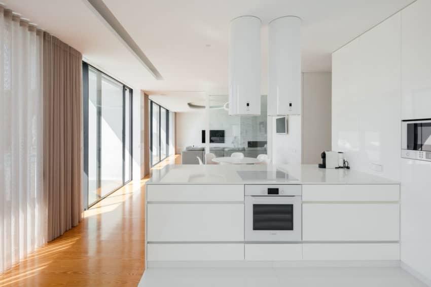 Touguinho II House by Raulino Silva Arquitecto (14)