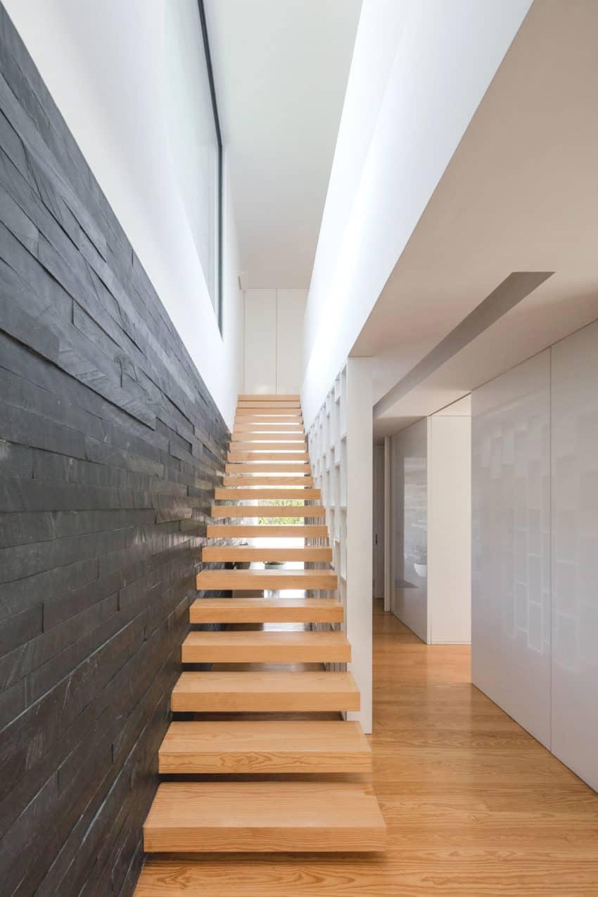Touguinho II House by Raulino Silva Arquitecto (19)