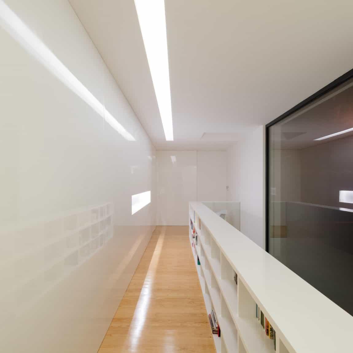 Touguinho II House by Raulino Silva Arquitecto (23)