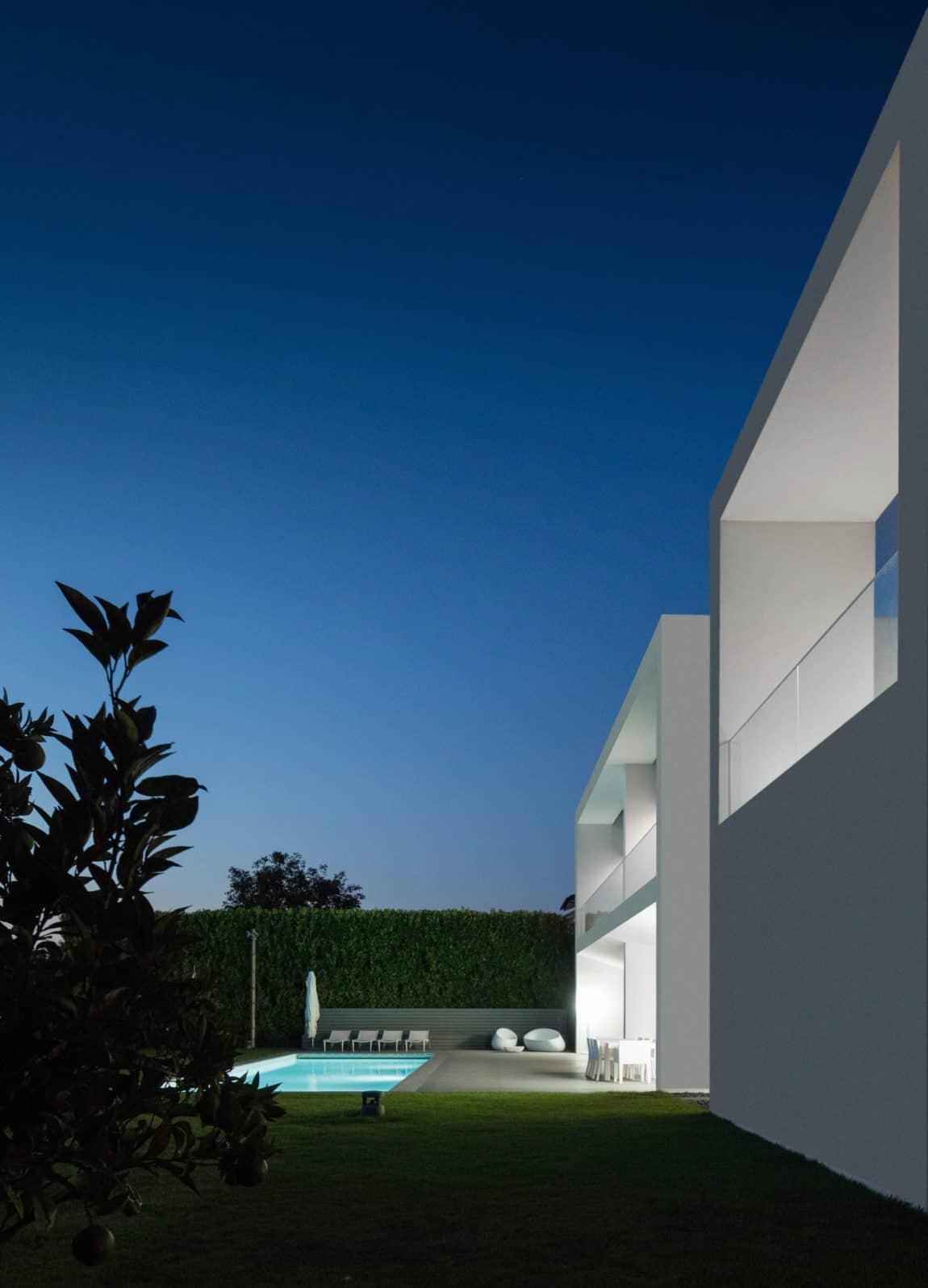 Touguinho II House by Raulino Silva Arquitecto (28)