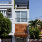 Townhouse with a Folding-Up Shutter by MM++ architects (2)