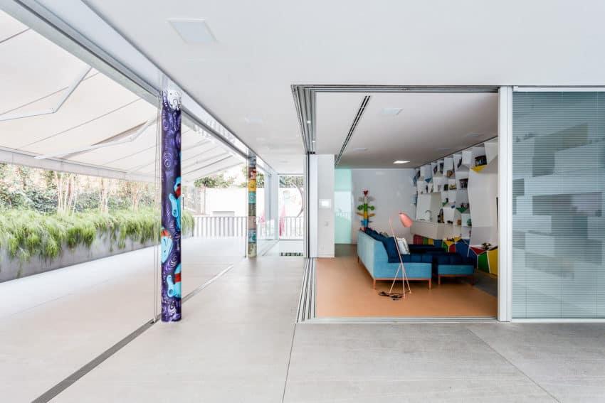 Toy House by Pascali Semerdjian Architects (4)