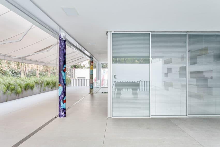 Toy House by Pascali Semerdjian Architects (5)