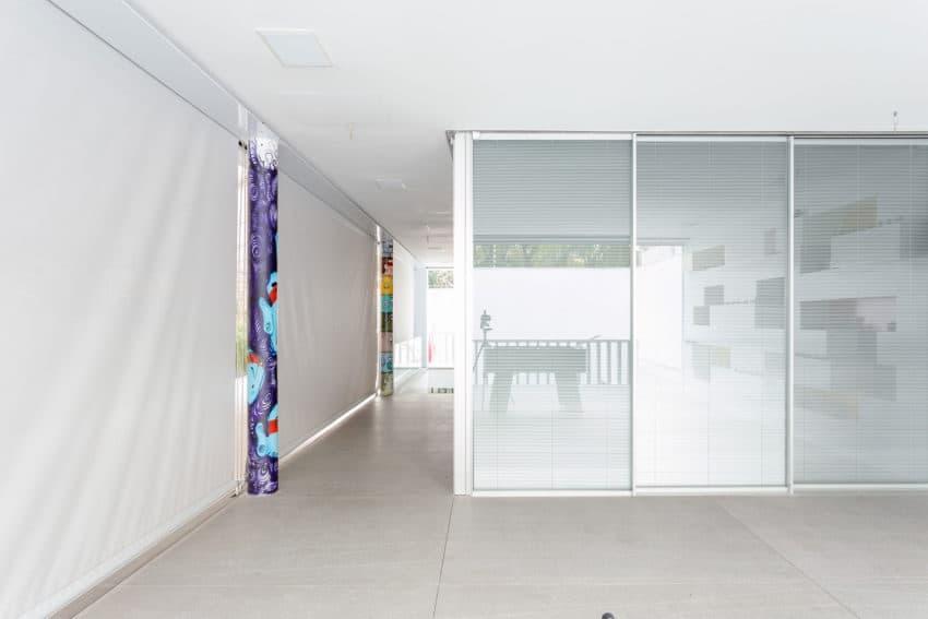 Toy House by Pascali Semerdjian Architects (6)