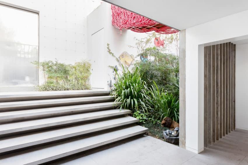 Toy House by Pascali Semerdjian Architects (10)