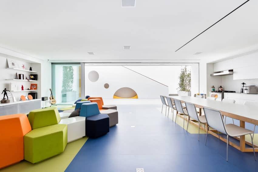Toy House by Pascali Semerdjian Architects (19)