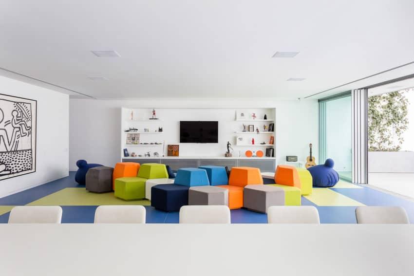 Toy House by Pascali Semerdjian Architects (21)